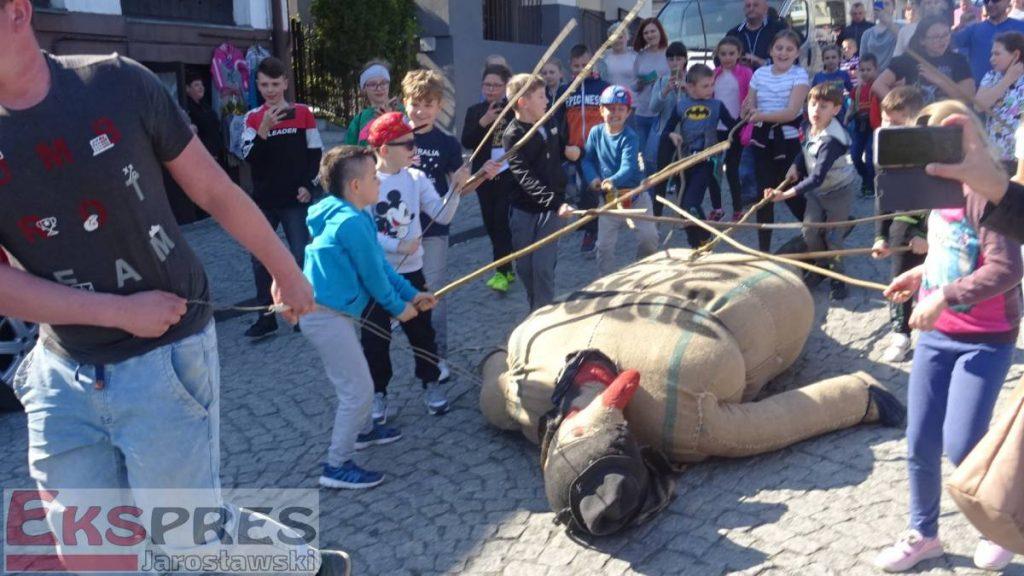 Antiszemita hagyománnyal ünnepelték a húsvétot egy lengyel faluban