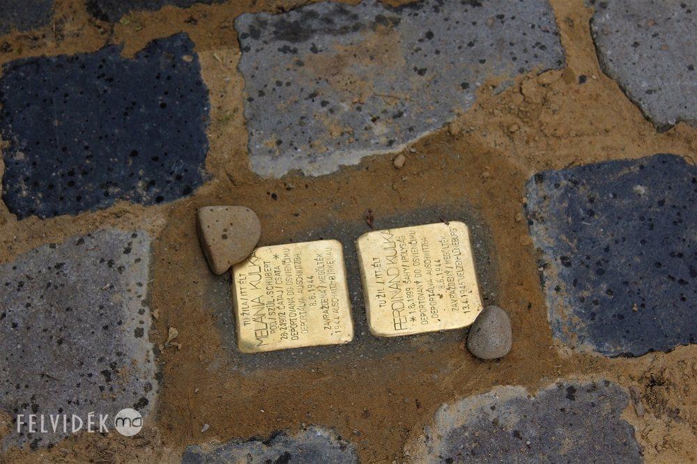 Botlatókövekkel emlékeztek Kulka János nagyszüleire