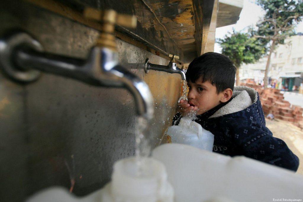 Izrael új vízvezetékkel segíti a Gázai övezet lakosait