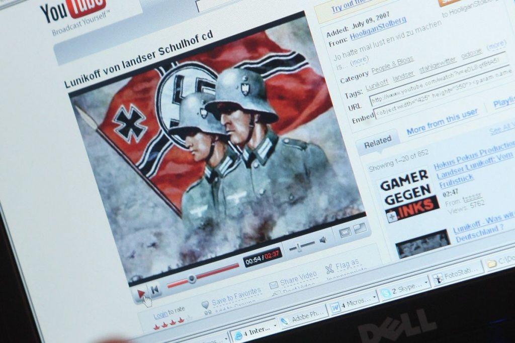 Törlik a holokauszttagadó és náci tartalmakat a YouTube-ról
