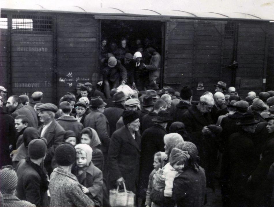 Fabiny Tamás: 8 ló, 48 ember vagy 150 deportált