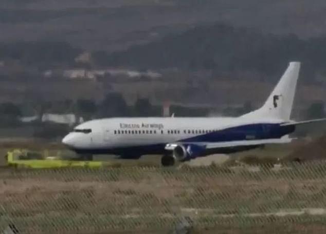 152 emberrel kellett kényszerleszállást végrehajtania egy gépnek Izraelben