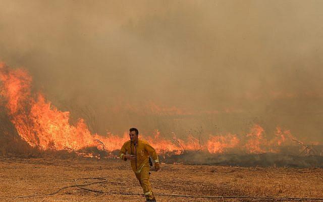 Tűz pusztít Izrael-szerte a szélsőséges meleg miatt