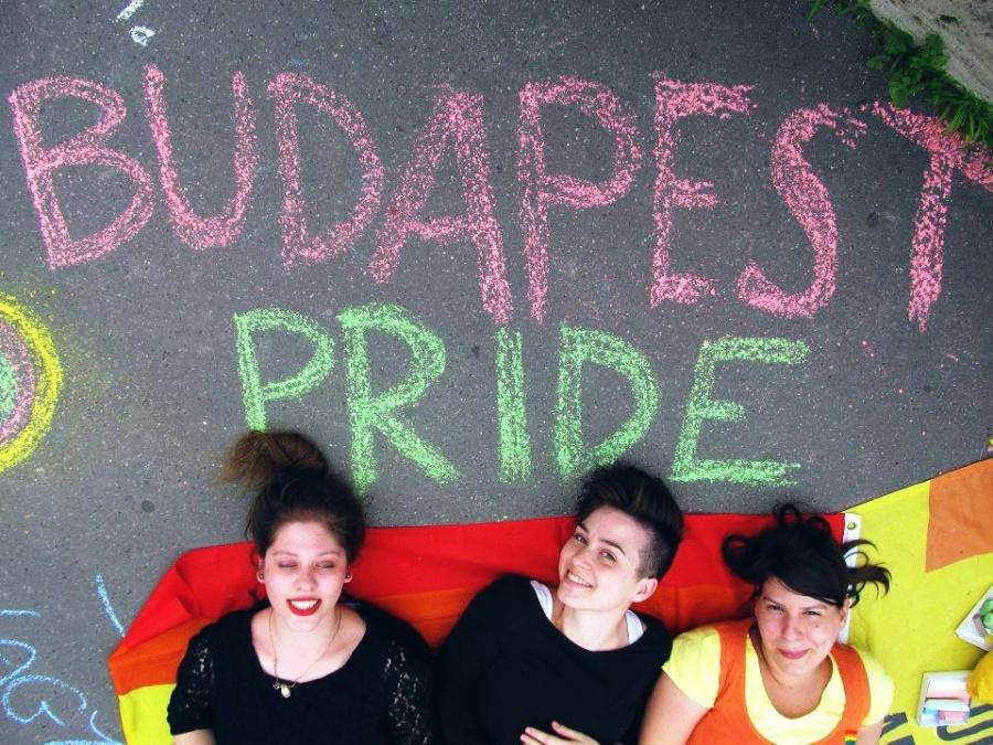 LMBTQ-barát zsidó istentisztelet a Pride keretében