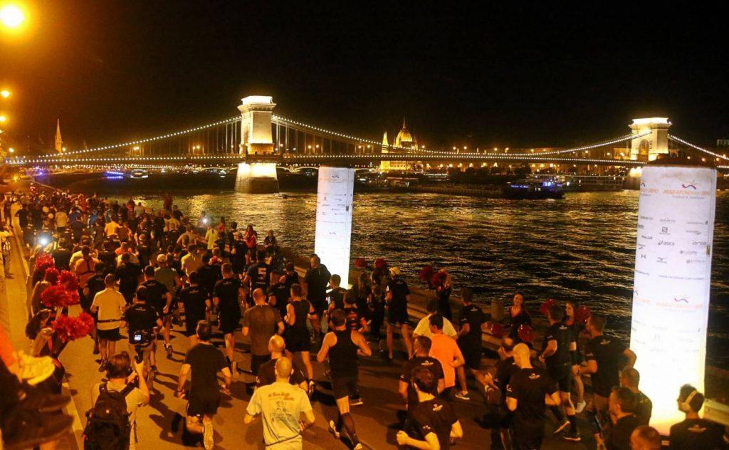Maccabisok nyerték a több ezer fős budapesti éjszakai futóversenyt