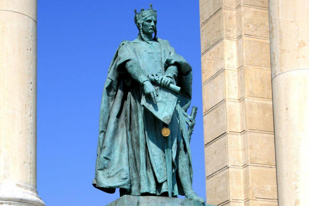 Domborművet kapott II. András király Izraelben