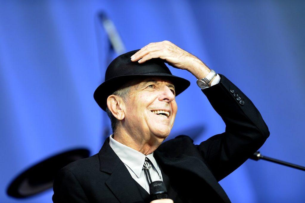A litván származású Leonard Cohen szobrot kapott Vilniusban