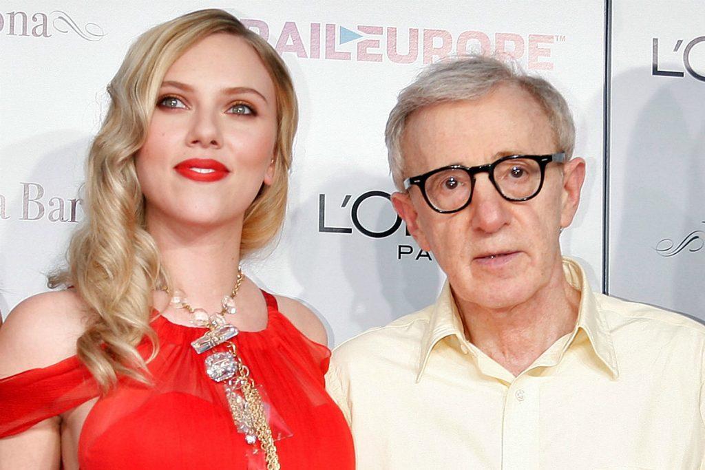 Scarlett Johansson kiáll a zaklatással vádolt Woody Allen mellett