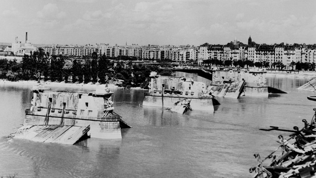 Ma sem tudjuk pontosan miért robbant fel a Margit híd 1944-ben