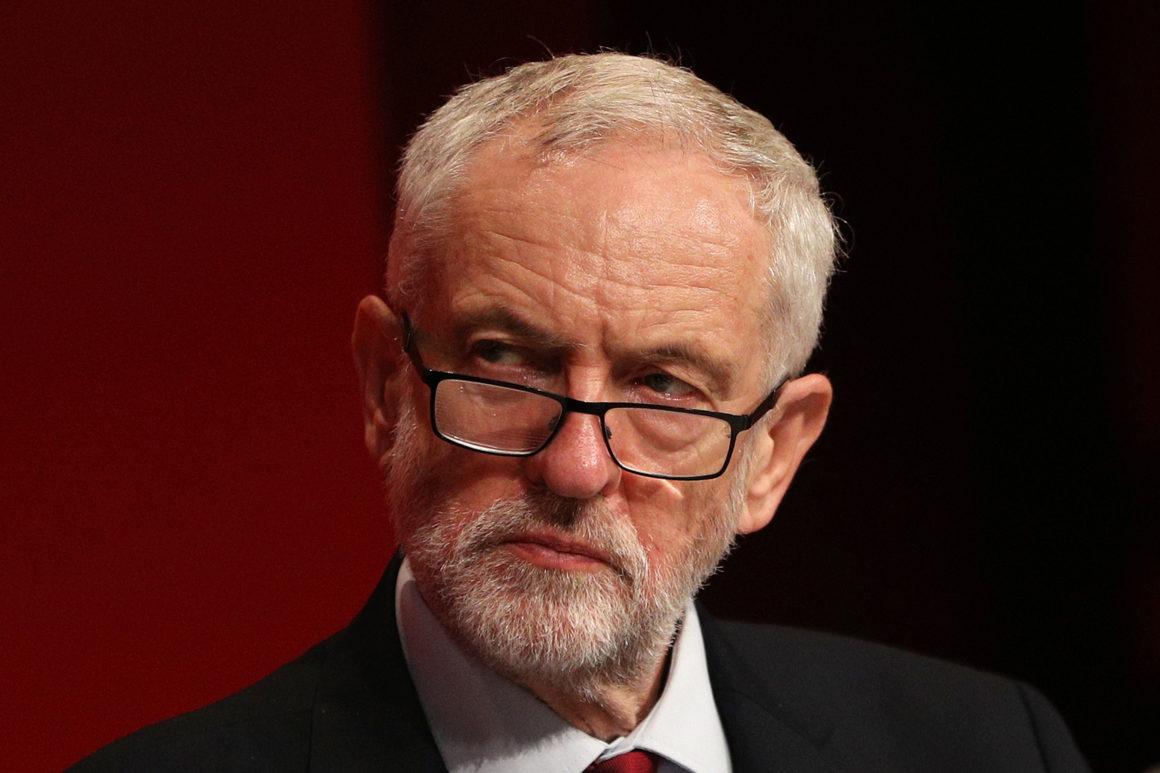 Az antiszemitizmus megtűrése miatt felfüggesztették Jeremy Corbyn tagságát a brit Munkáspártban