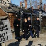 Először látogatott el Angela Merkel Auschwitzba