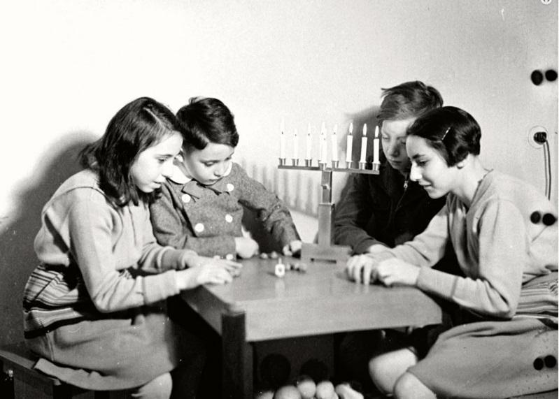 A nehéz időkben is fényt vitt a hanuka a zsidóság életébe