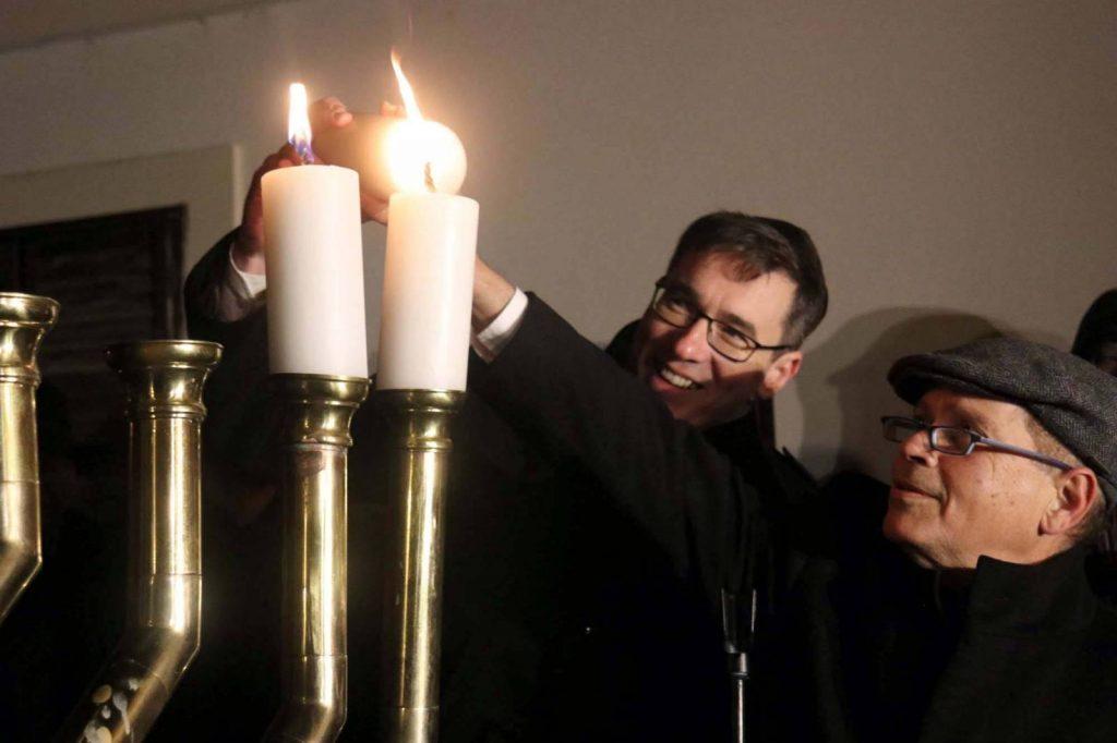 Karácsony Gergely is hanukai gyertyát gyújtott a Várban