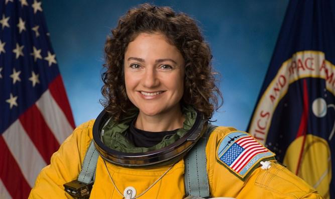 Az űrből kívánt boldog hanukát egy izraeli nő