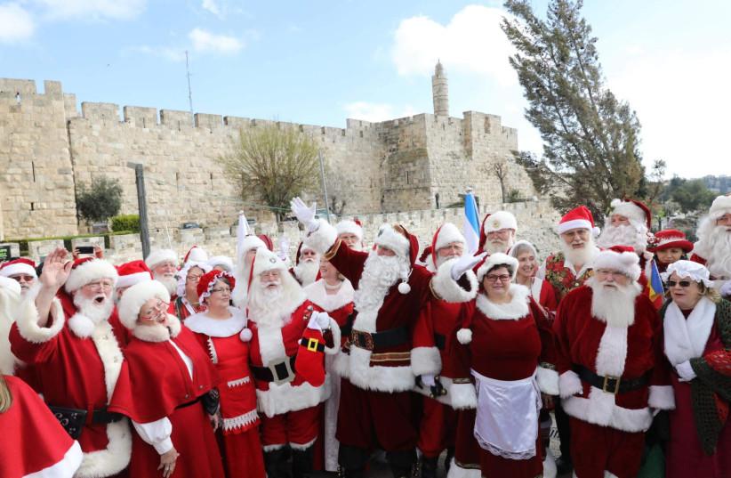Izraelben gyűltek össze a világ Mikulásai