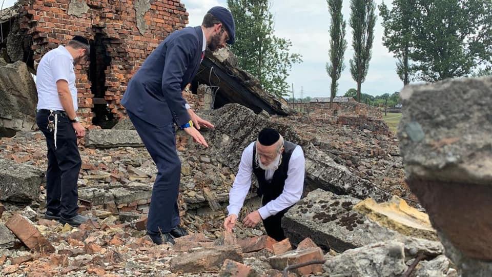 Több ezer csontot mosott a felszínre az esővíz Auschwitzban