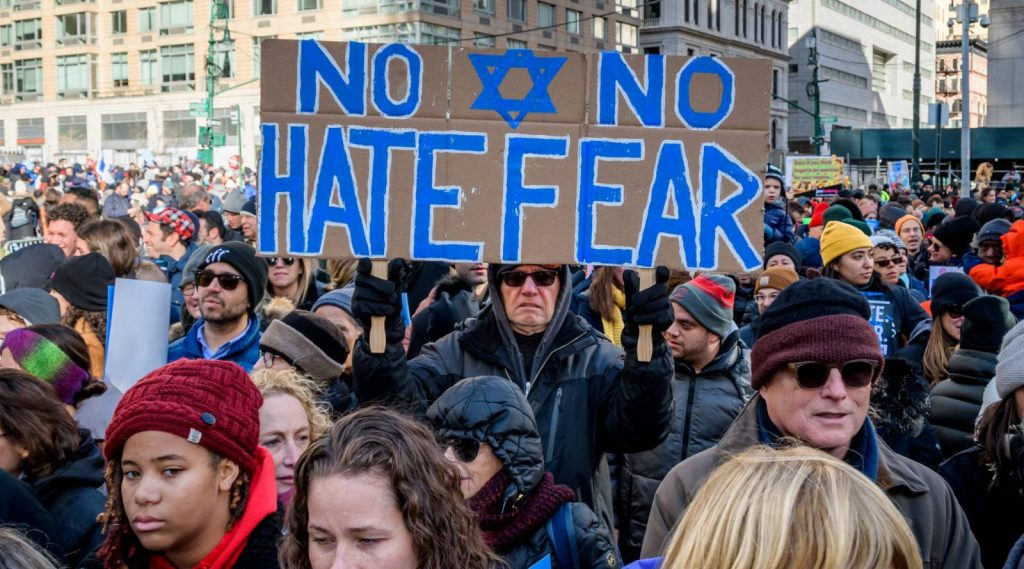 Több tízezren tüntettek az antiszemitizmus ellen New Yorkban