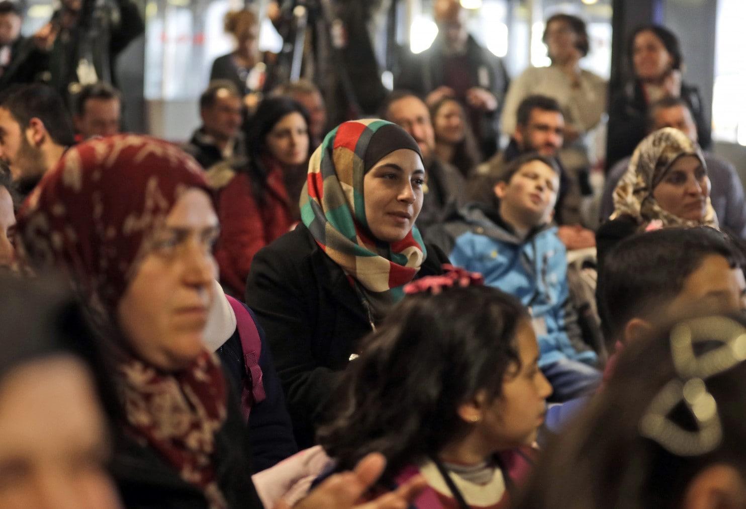 Egy héttagú szír menekültcsaládnak segít a milánói zsidó közösség