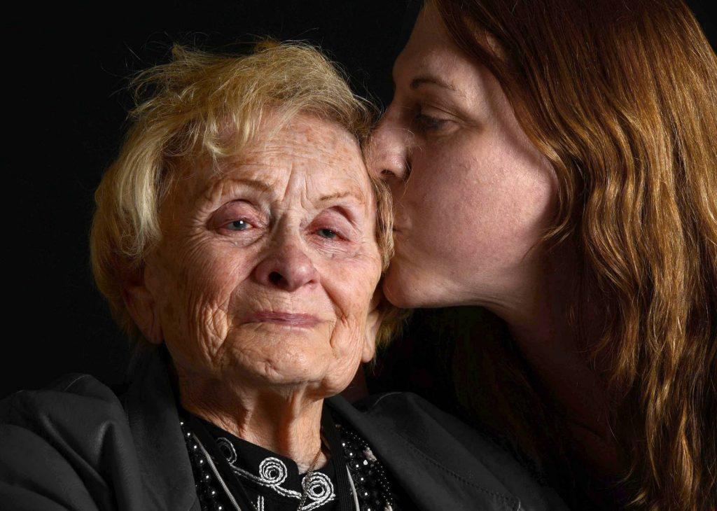 Támogatás a holokauszt túlélőinek özvegyei számára
