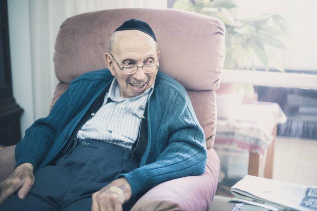 Meghalt a szarvasi tábor Smuel bácsija
