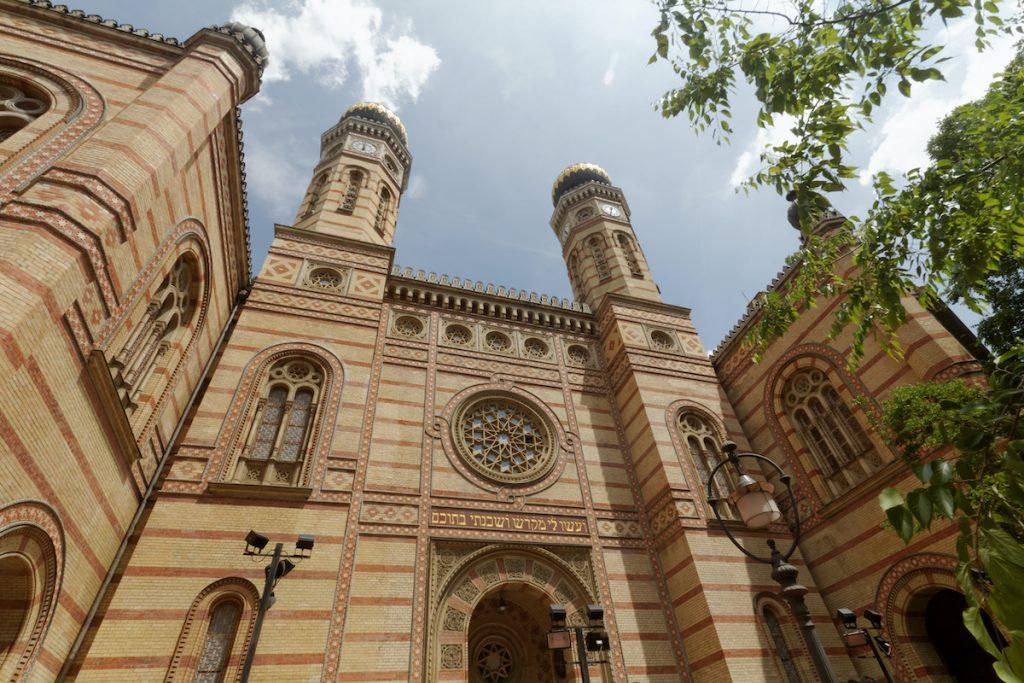 További két hétre zárva maradnak a budapesti zsinagógák