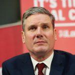 Bocsánatot kért az antiszemitizmus miatt a brit Munkáspárt új vezetője