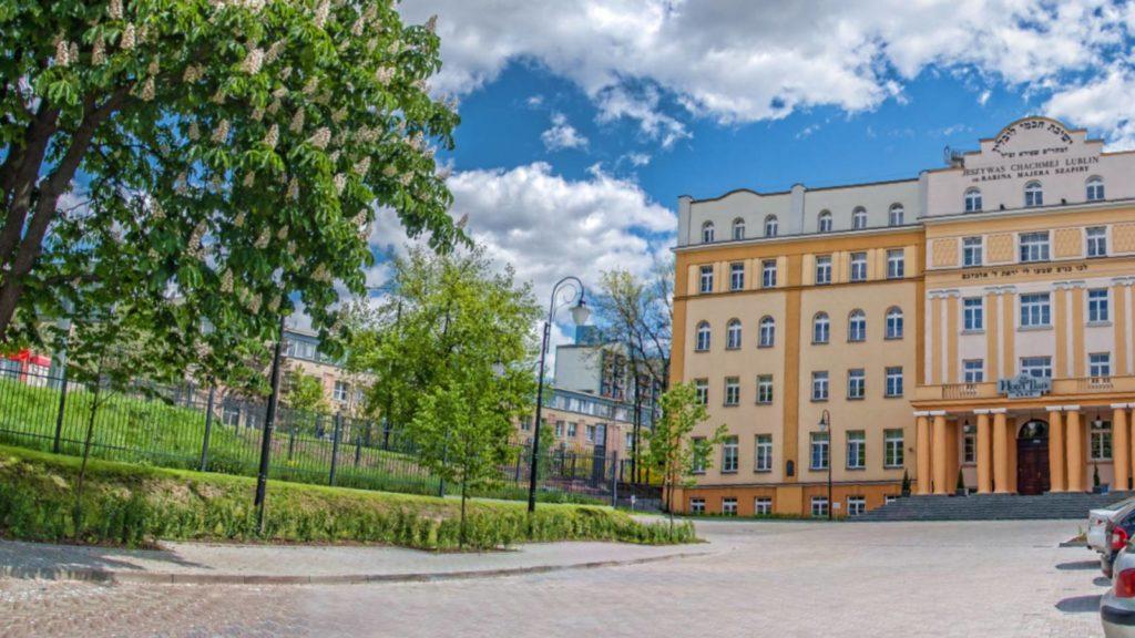 Lengyel zsidó hotel ingyen biztosít szobákat koronavírus ellen küzdő orvosoknak