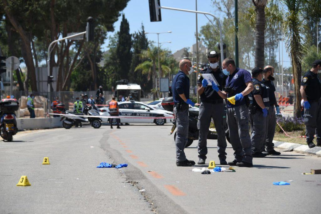 Késeléses merénylet a terror izraeli áldozatainak emléknapján