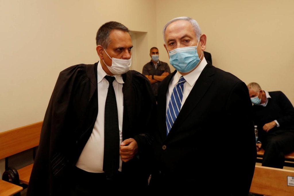 Izrael történelmében először indult büntetőeljárás hivatalban lévő miniszterelnök ellen