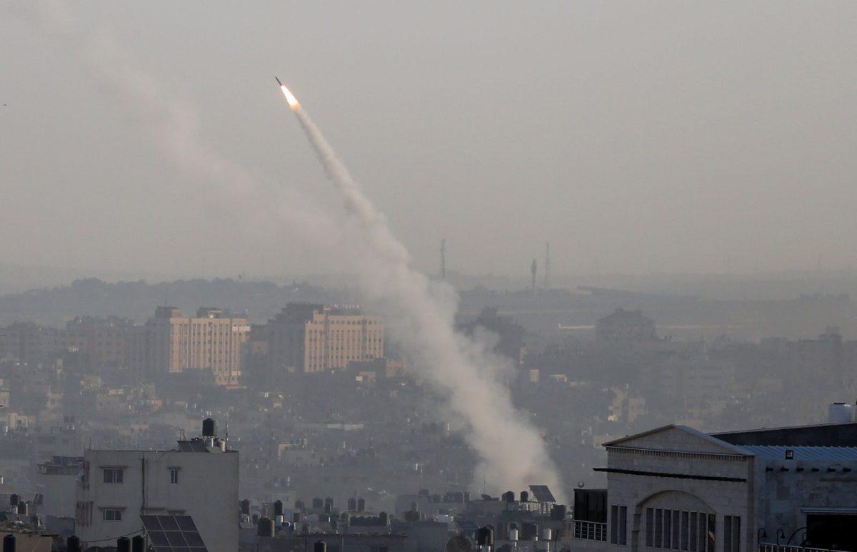 Enyhül a járvány, érkeznek a rakéták Gázából