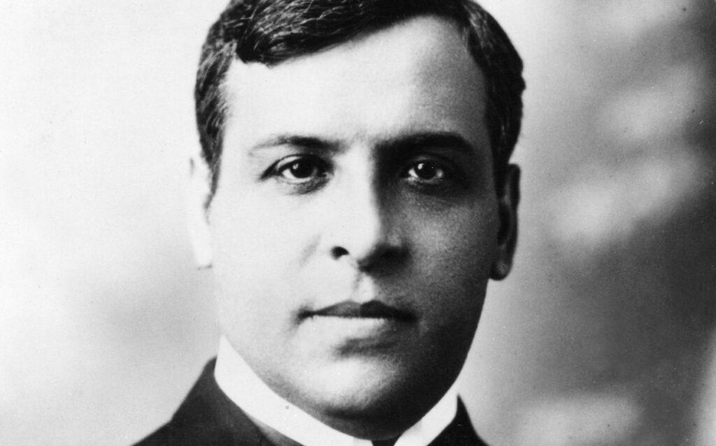 Országának nagyjai közé emelik a tízezer zsidót megmentő portugál diplomatát