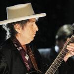 Bob Dylan lett a legidősebb előadó, aki a brit slágerlistát vezeti