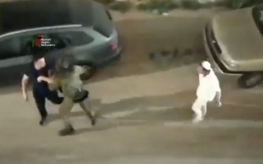 Megvédett egy palesztint egy izraeli katona a zsidó telepesek támadásától