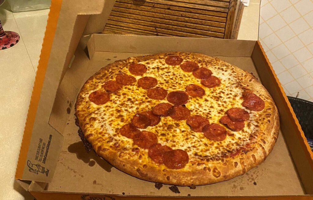 Horogkeresztes pizzát kapott elvitelre egy ohiói pár