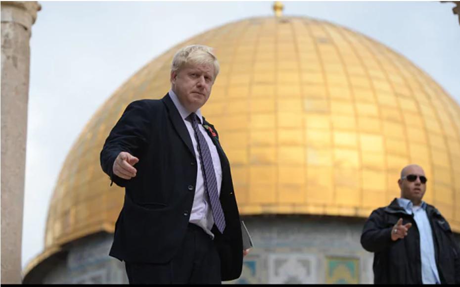 A brit kormányfő egy izraeli lapban tiltakozik a ciszjordániai annektálás ellen