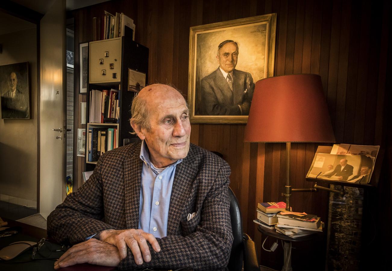 Meghalt a holland zsidó ellenálló, akinek gyárában sárga csillagokat készítettek a nácik