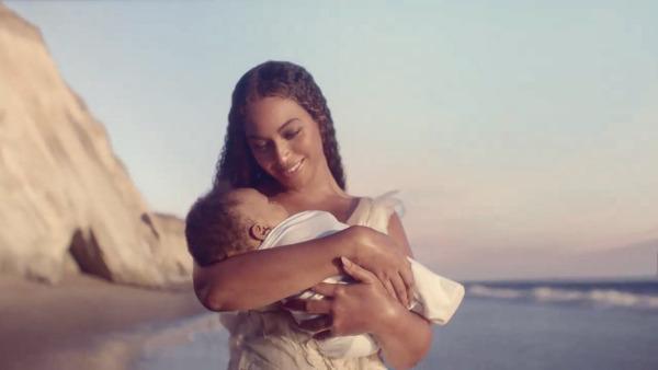 Izraeli tervező készítette Beyoncé esküvői ruháját a Black is King című filmhez