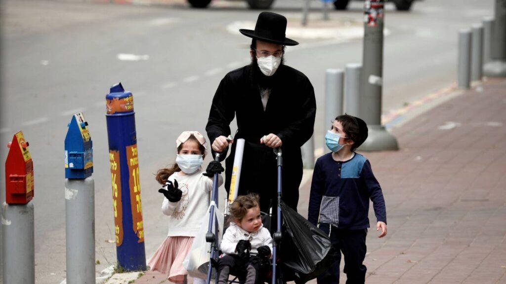 Izraelben lassult a koronavírus-járvány terjedése