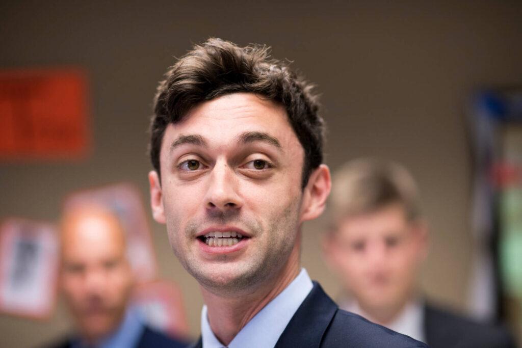 Megnagyobbították egy zsidó képviselőjelölt orrát egy politikai hirdetésben
