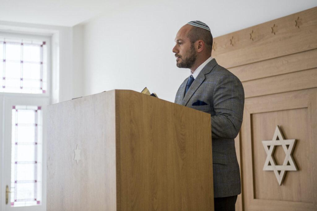 Új zsidó szervezet alakult Róna Tamás főrabbi vezetésével