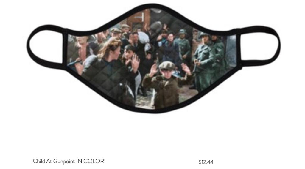Holokauszt-fotókkal díszített maszkokat árul egy amerikai férfi