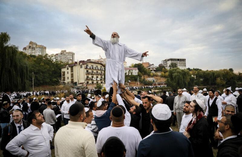 Botrányt csináltak az izraeli ortodoxok, akik nem zarándokolhattak Ukrajnába