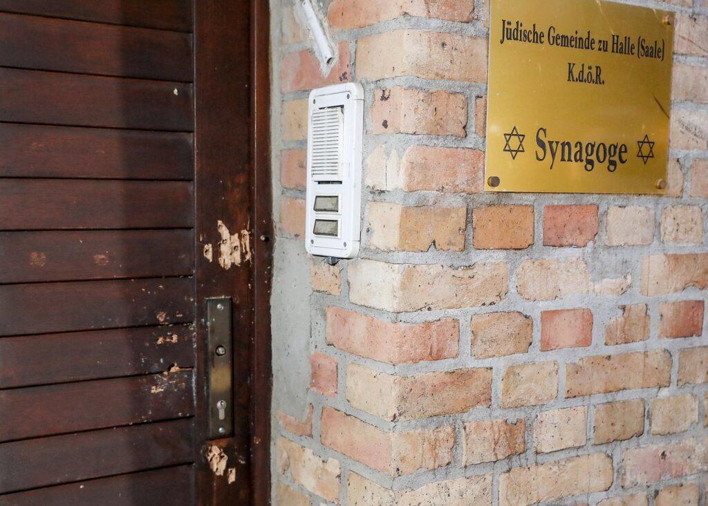 Megemeli a német kormány a zsidóság védelmére szánt összeget