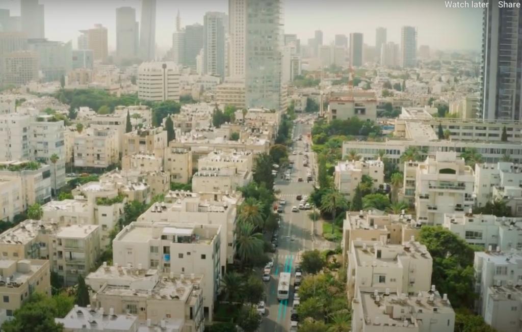Tel-Aviv lenne a világ első olyan városa, amely járműveket tölteni képes úthálózattal rendelkezik