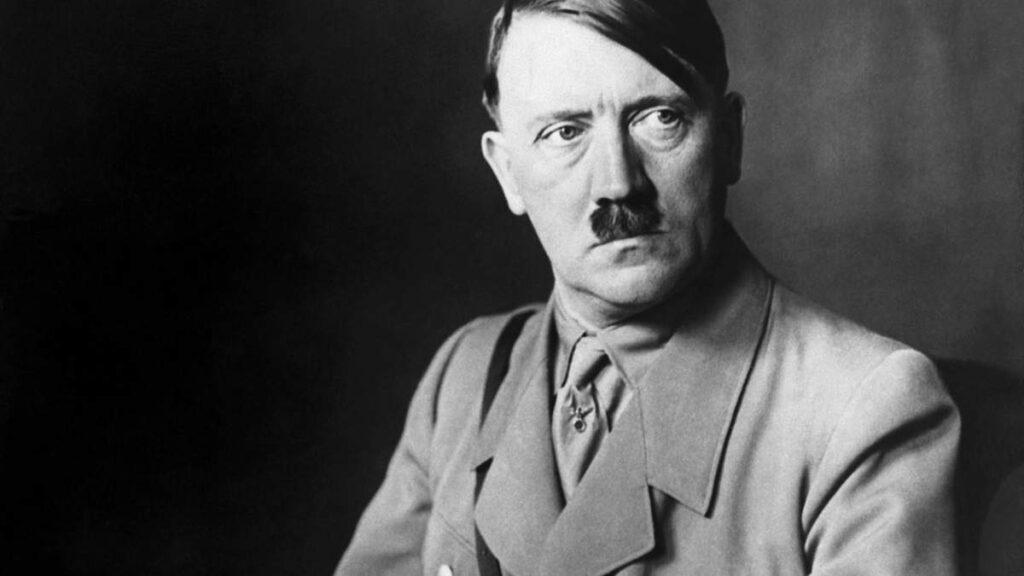 Össztűz zúdult arra a német aukciós házra, ahol Hitler kézirataira lehet licitálni