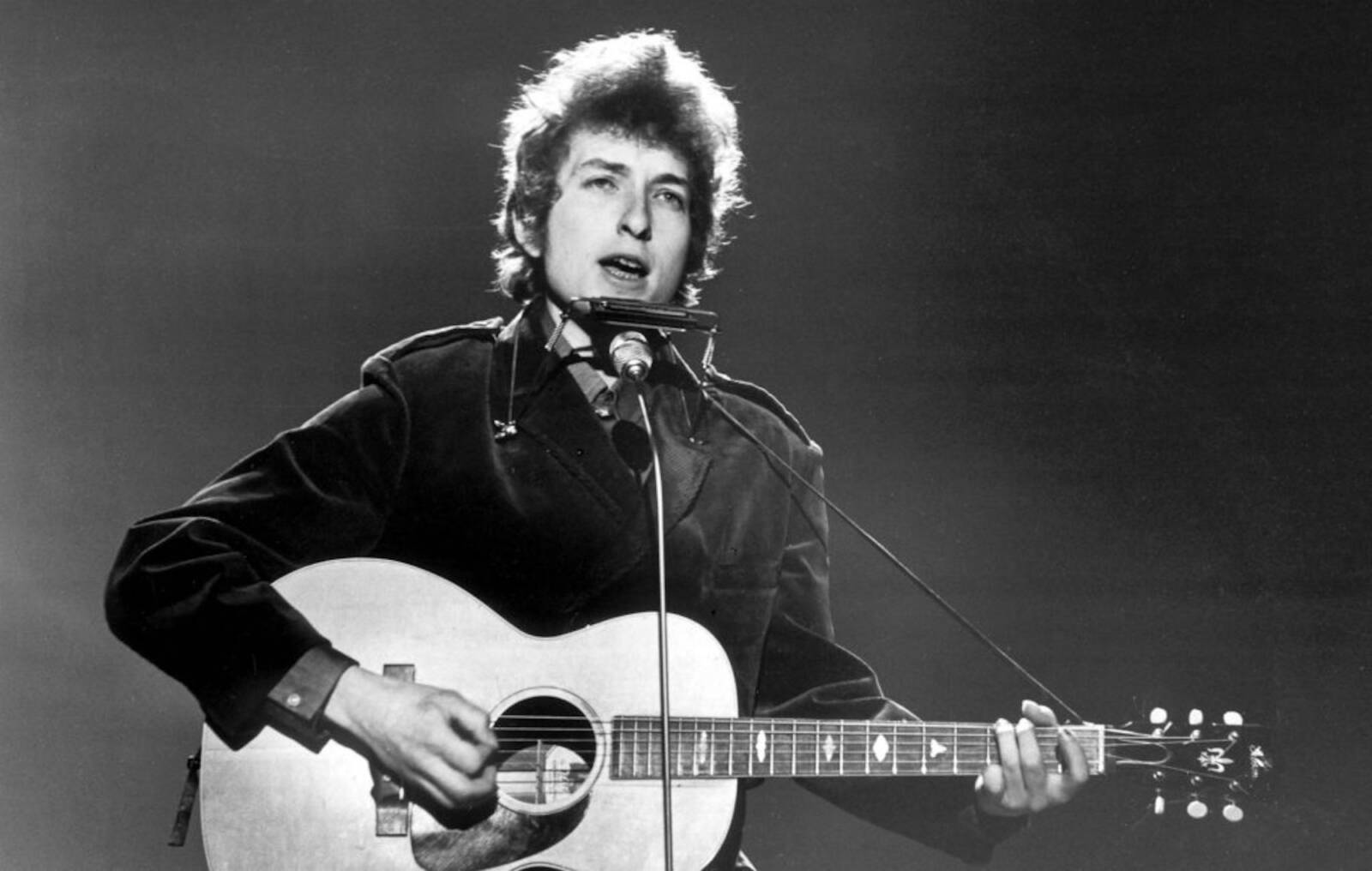 A zsidókkal szembeni előítéletek is közrejátszottak abban, hogy Bob Dylan megváltoztatta a nevét