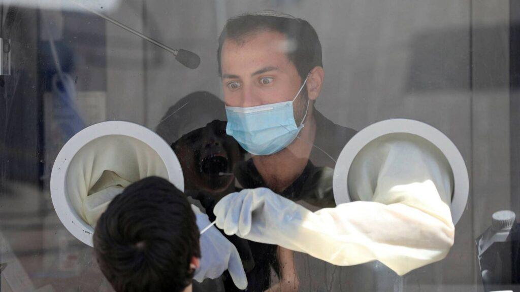 Segített a zárlat, Izraelben tovább csökken az új koronavírus-fertőzések száma
