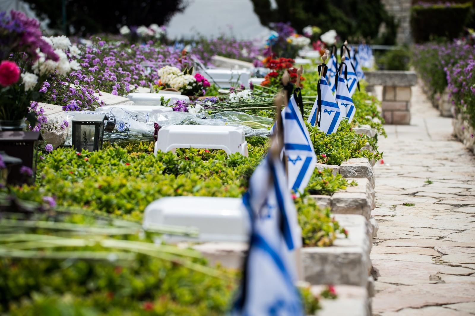 Mostantól együtt nyugodhatnak az elesett nem zsidó és zsidó katonák az izraeli katonai temetőkben