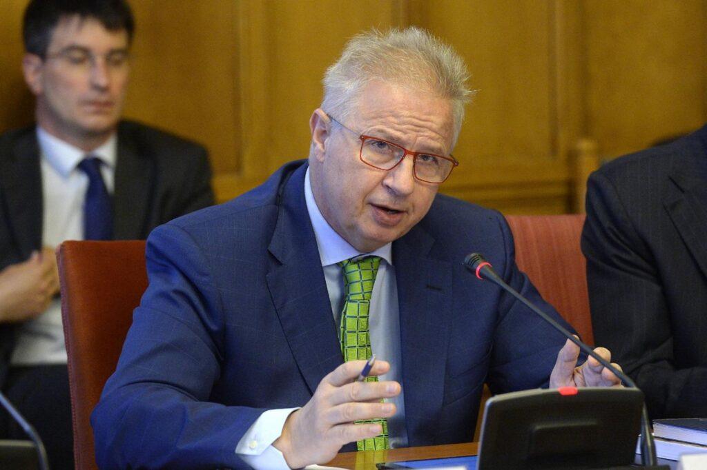 Belga bíróság: nem becsületsértés antiszemitának nevezni a Fidesz EP-képviselőjét