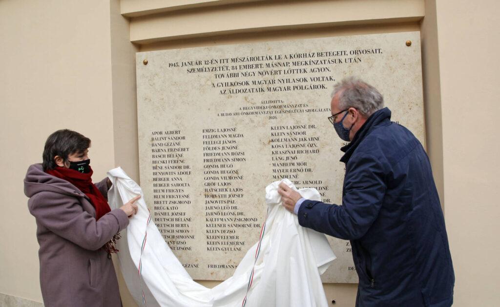 Emléktáblát állítottak a Maros utcai nyilas tömegmészárlás áldozatainak